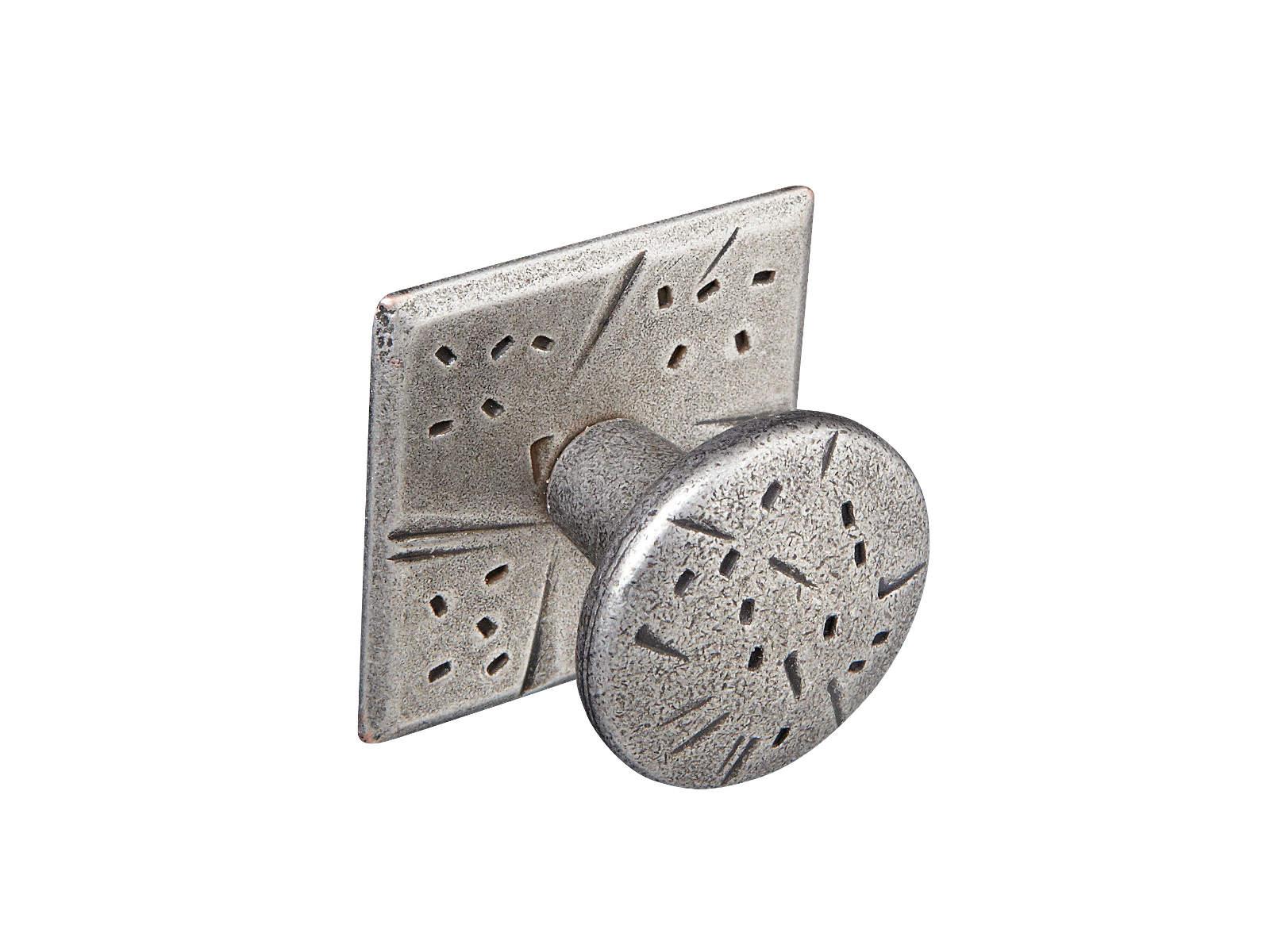 pewter-knob-&-plate